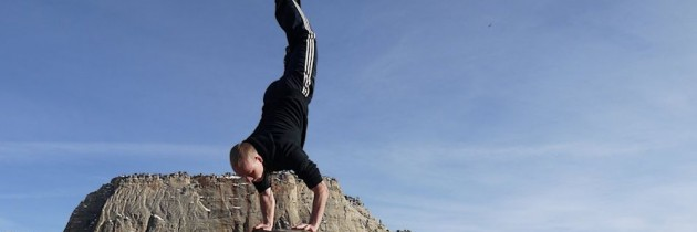 Add Handstands to Your Fitness Training and Get Amazing Benefits